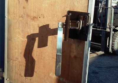 hinge on an enclosed trailer